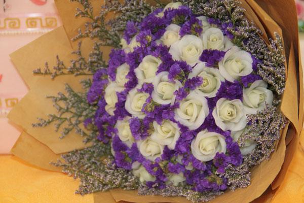 鲜花朵朵:创意翻糖蛋糕