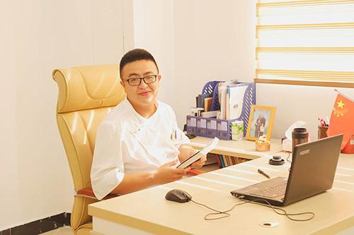 名师风采|王刚:用心做让家长放心的烹饪教育