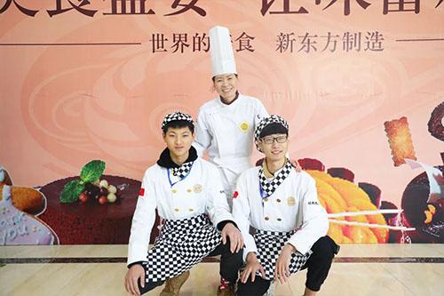 新生故事 | 陈雄枫和吴书腾:兴趣,让我们喜欢上了西点