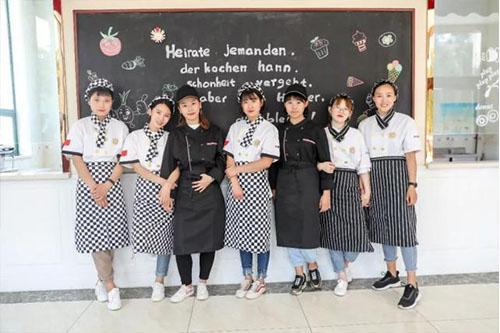 福州哪里有咖啡师培训学校?)
