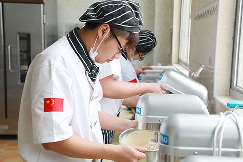 福建新东方烘焙培训学校好不好?学习烘焙选择哪里的学校好?)