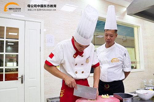 厨师真的是高薪职业吗?学厨师有什么好处呢?)