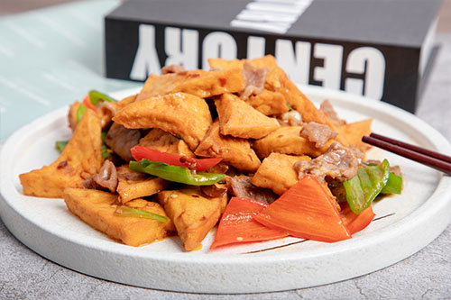 家常豆腐炒肉