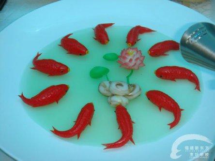 鲤鱼戏水 雕刻作品