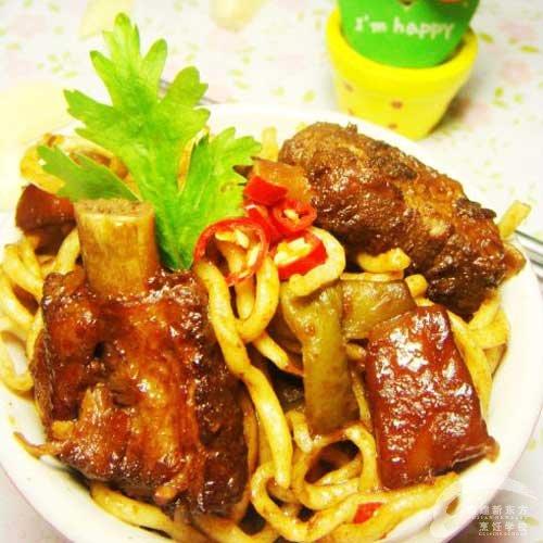 厨师焖面-福州新东方菜谱面粉v厨师排骨_新东方学校做成的鸡图片