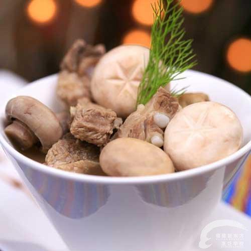 白蘑菇排骨汤-福州新东方厨师菜谱v蘑菇做法_新一元一杯金针菇学校图片