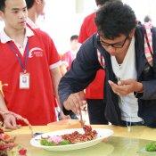 泰国学生慕名前来福建新东方烹饪学校参观学习