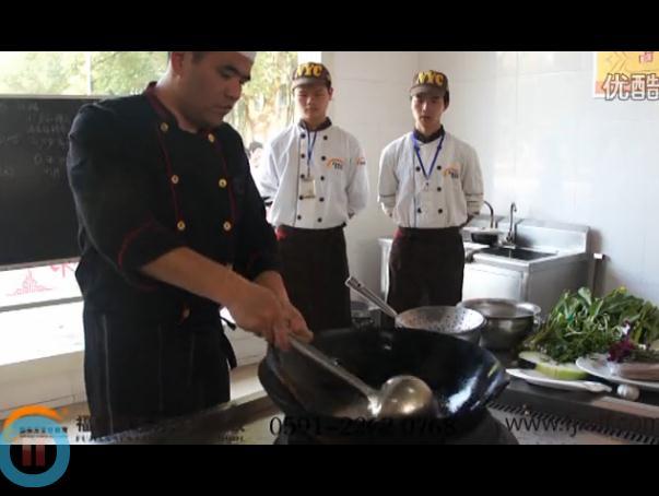 教师讲堂:红酒鳕鱼配玉带的做法视频