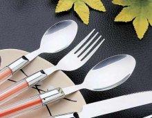 吃西餐时,如何正确使用刀叉?――福州厨师培训学校为你分享