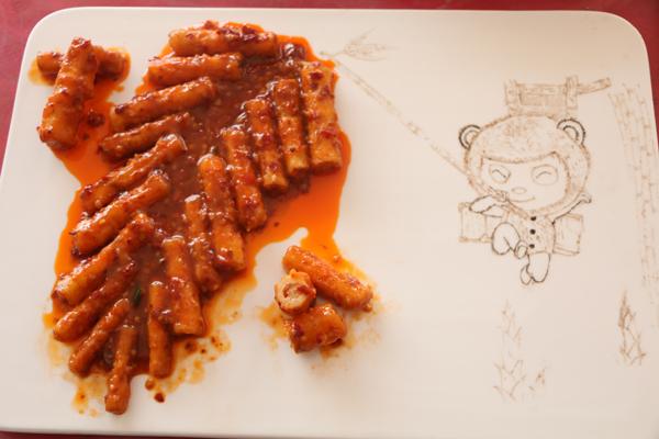 小龙同学作品《扇贝粉丝》获得比赛第二名;金领大厨18班林宗高同学图片
