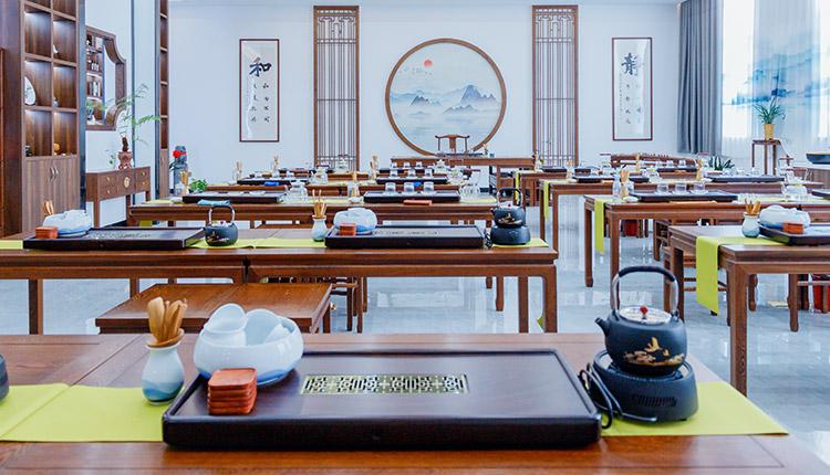福建新�|方烹��W校茶�教室